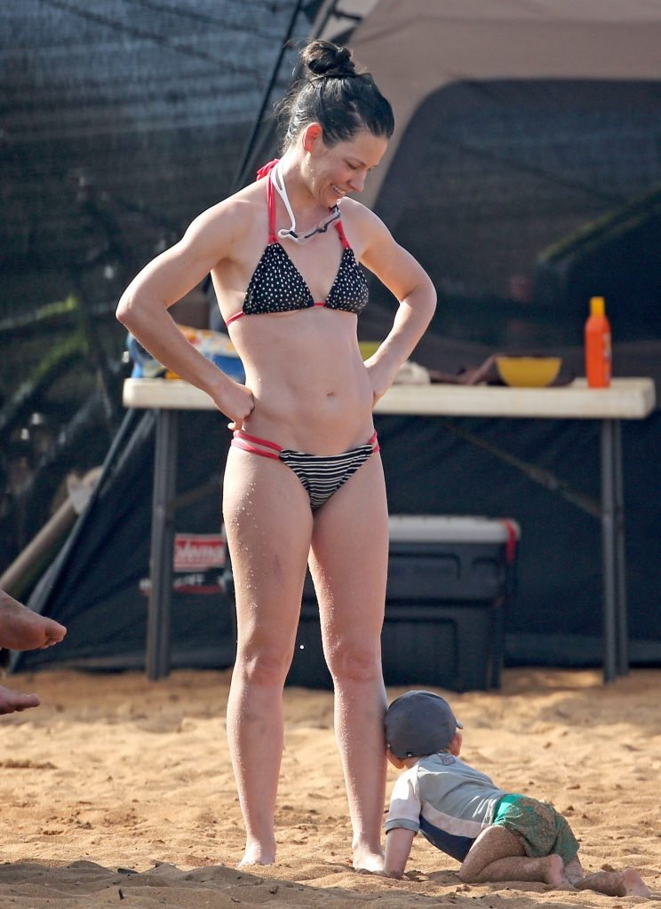Evangeline Lilly Sexy New 12 Thefappening So Claire Foy Bikini Pics