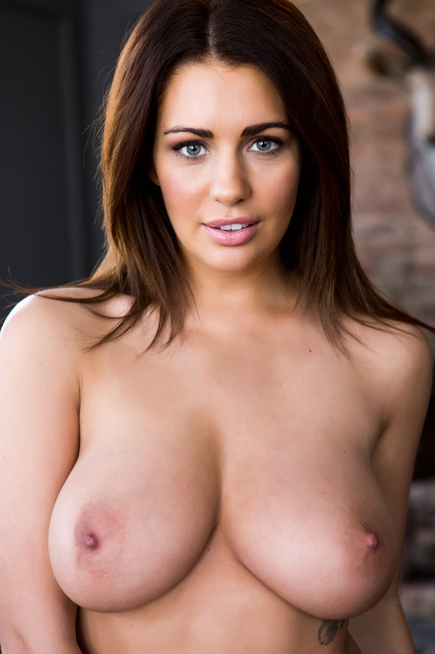Holly jade pears nude