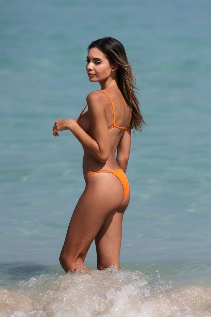 Jasmine Tosh Sexy (42 Photos)