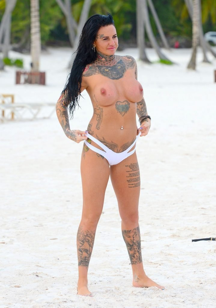Jemma Lucy Topless & Chantelle Connelly Sexy (62 Photos)