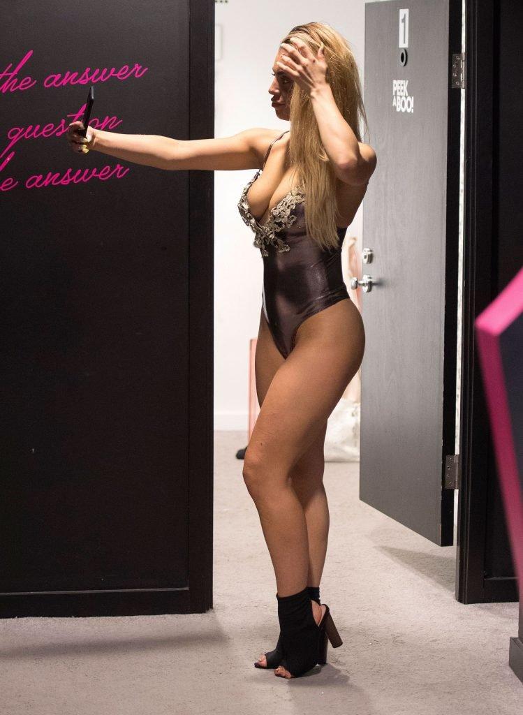 Katie Salmon Sexy & Topless (44 Photos)