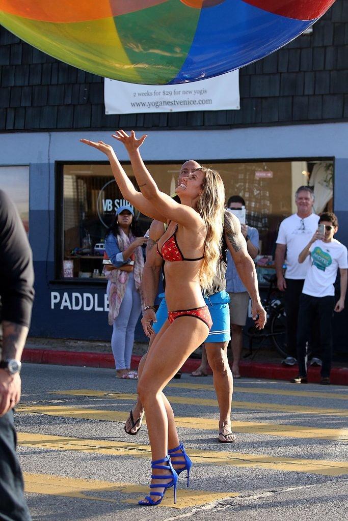 Kelly Rohrbach Sexy (40 Photos)