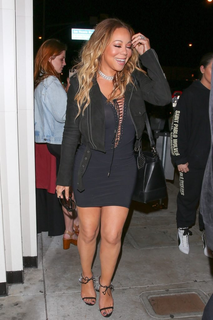 Mariah Carey Braless (35 Photos)
