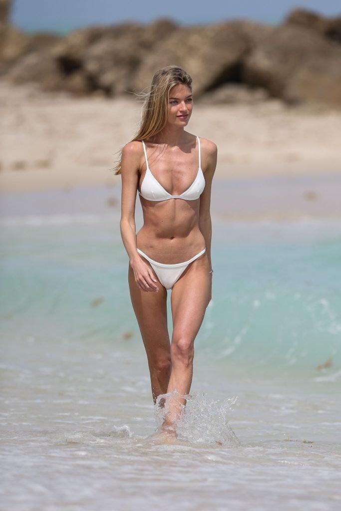 Martha Hunt Sexy (52 Photos)