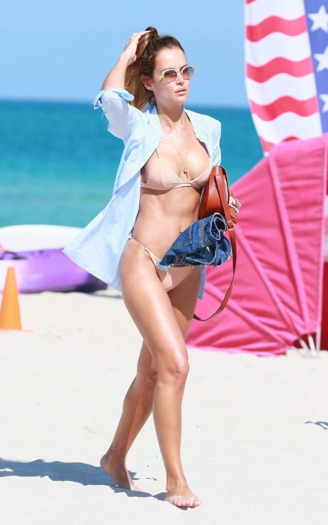 Natalia Borges Sexy (23 Photos)