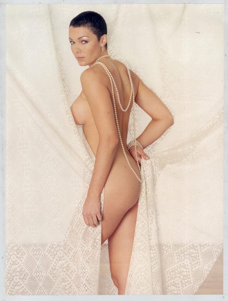 Nell McAndrew Nude & Sexy (7 Photos)