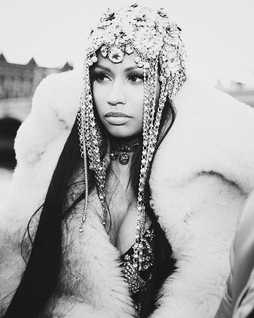 Nicki Minaj Sexy (8 Photos + 3 Videos)