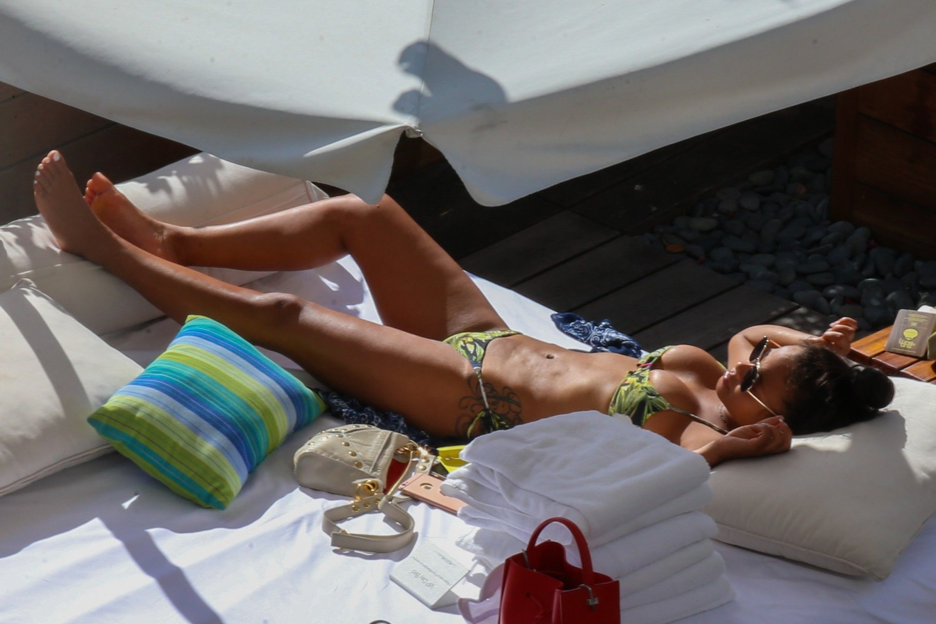 Emilia clarke got,Miroslava Karpovich Nude Photos and Videos Porn pics & movies Rosanna pansino sexy,Neve campbell mock lesbian again