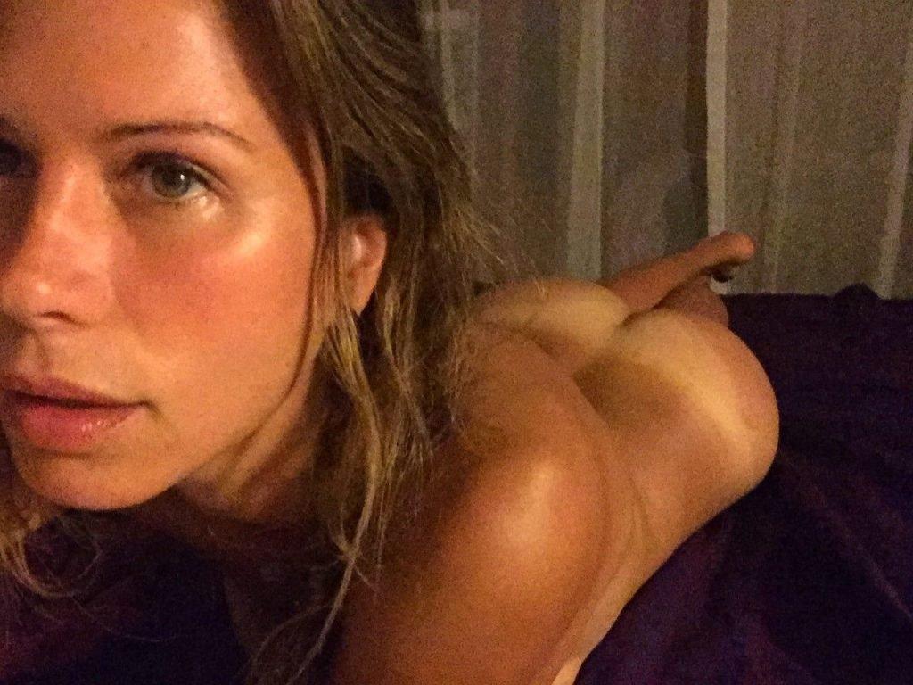 Rhona mitra naked nip pics pussy