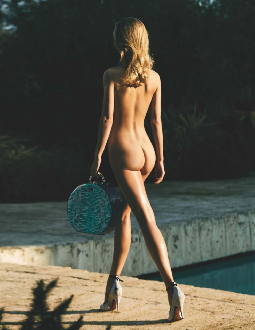 Topless Nude Rianne Haspels naked photo 2017