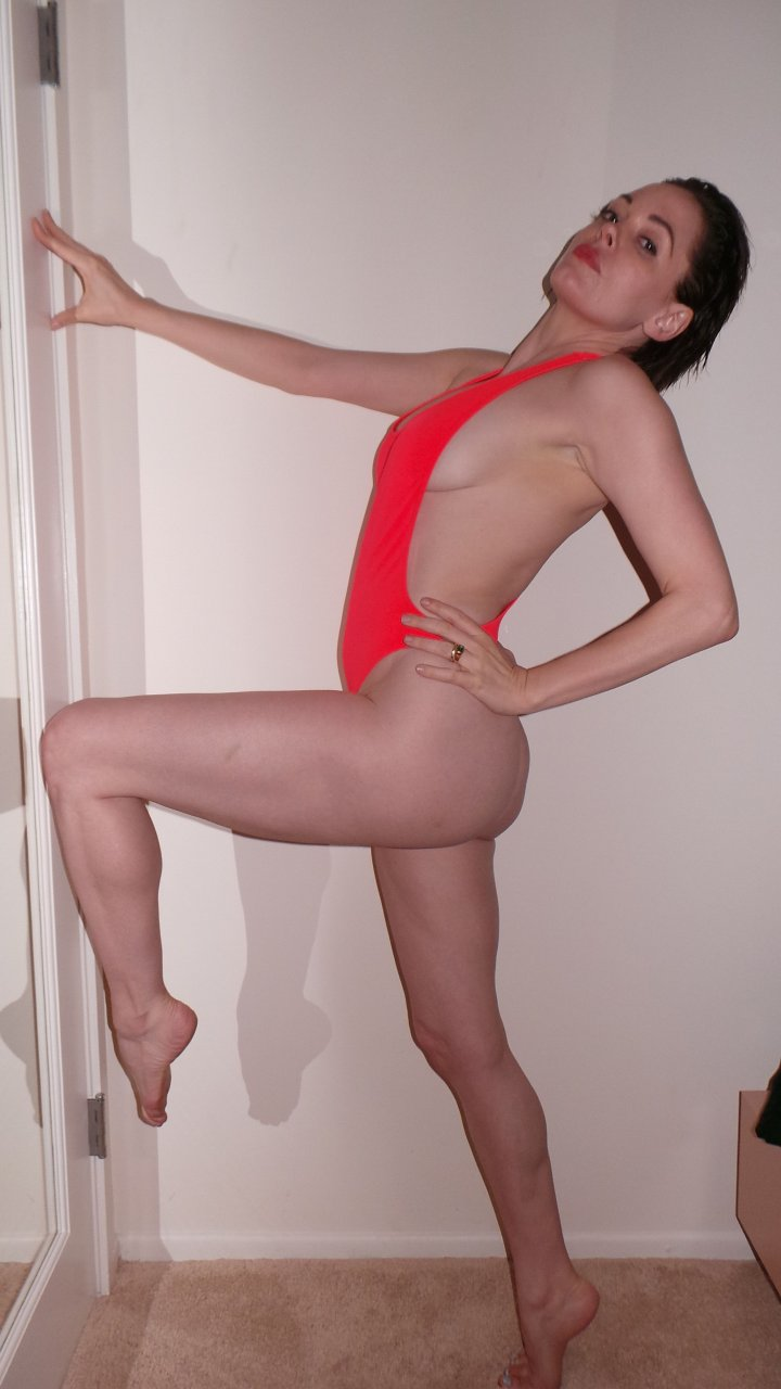 rose mcgowan naked video