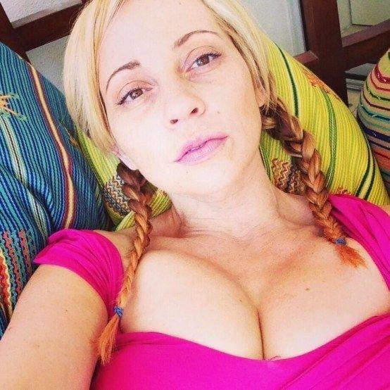 Tara Strong Sexy (12 Photos)