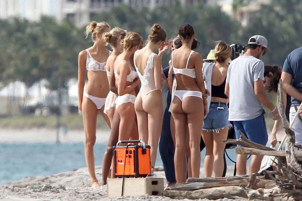 Victoria's Secret models (26 Hot Photos)