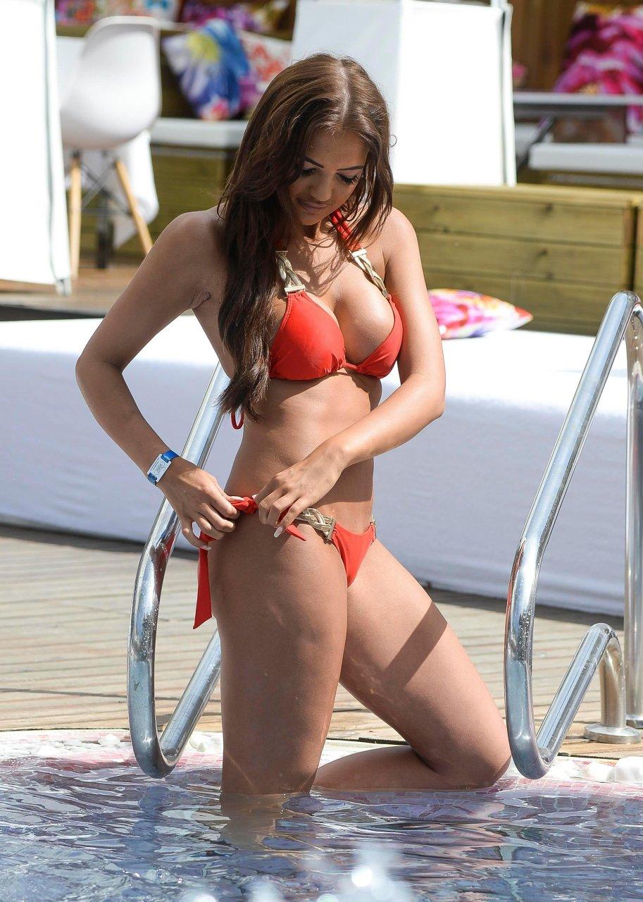 Nude Abbie Holborn