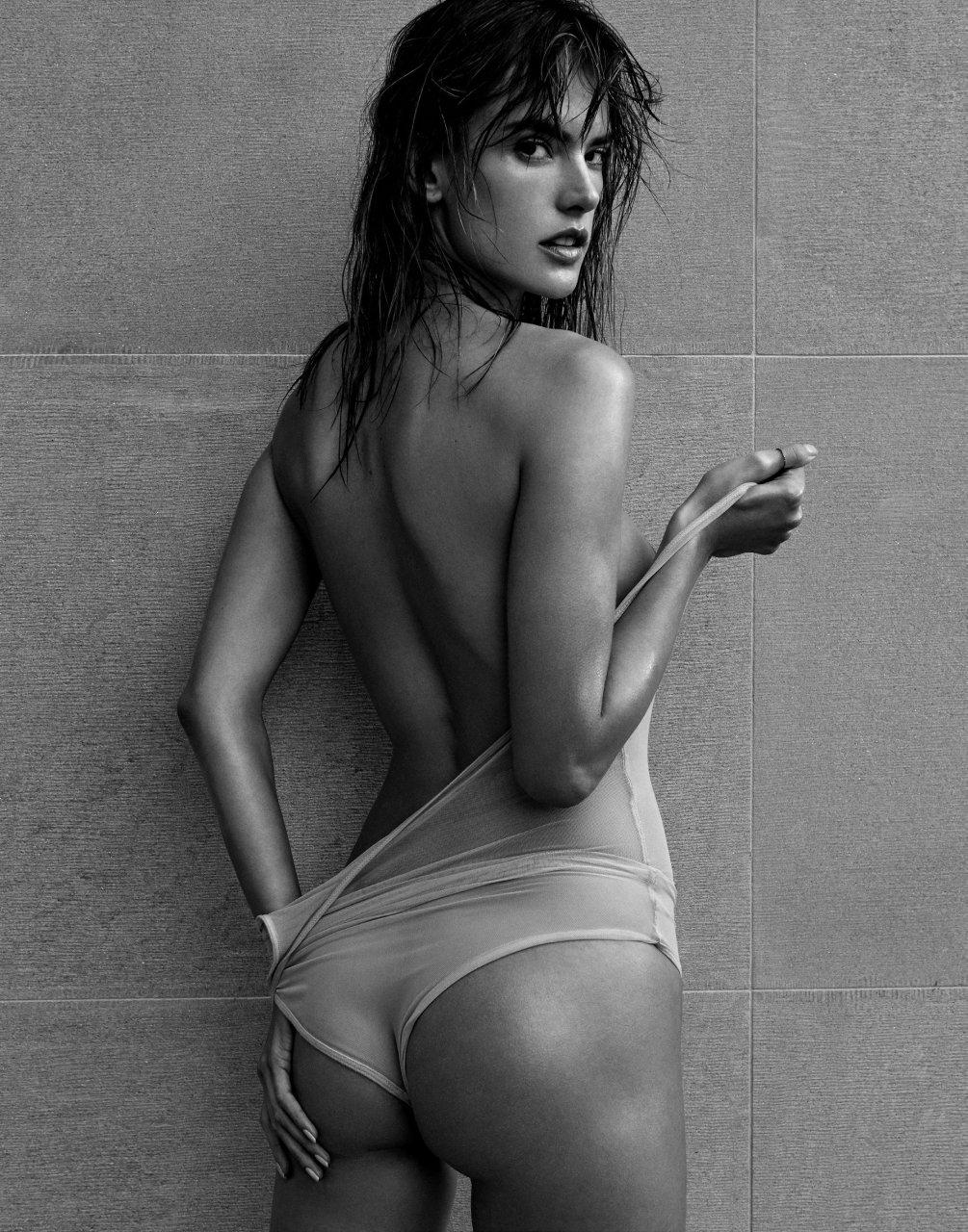 alessandra ambrosio sexy nude