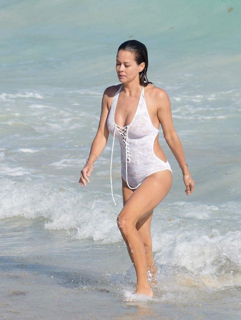 Brooke Burke Sexy & Topless (65 Photos)