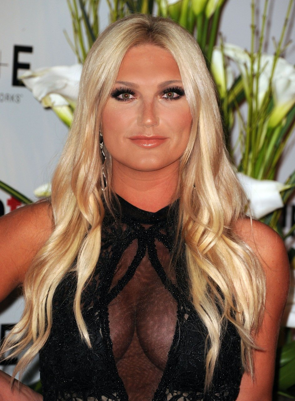brooke hogan tits