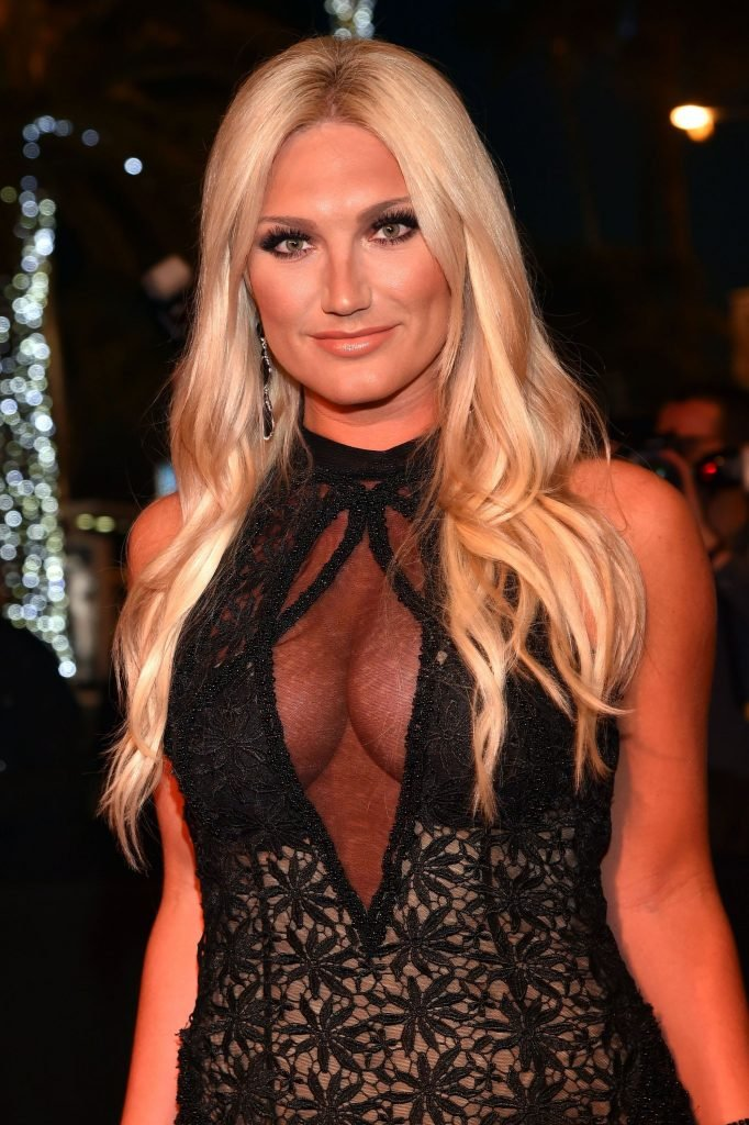 Brooke Hogan Cleavage (10 Photos)   #TheFappening