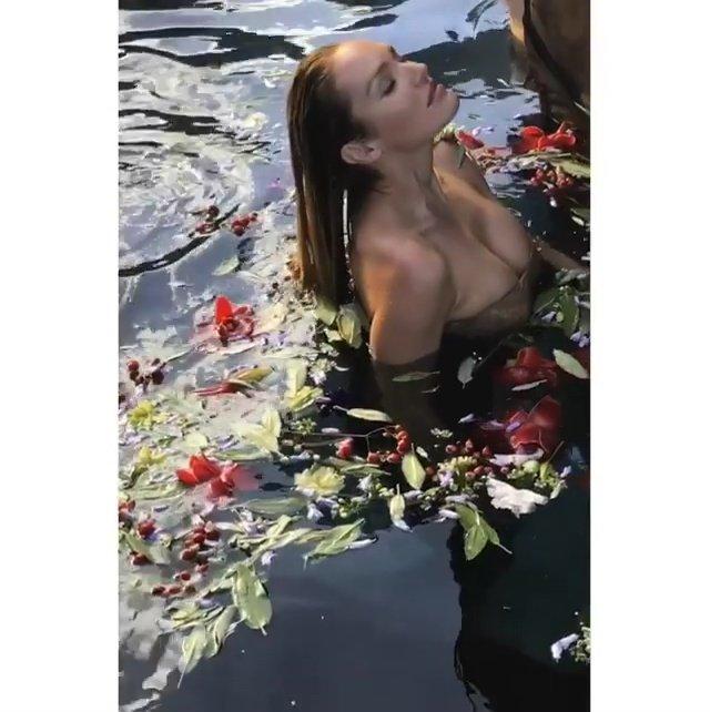 Candice Swanepoel Sexy (15 Photos + Video & GIFs)