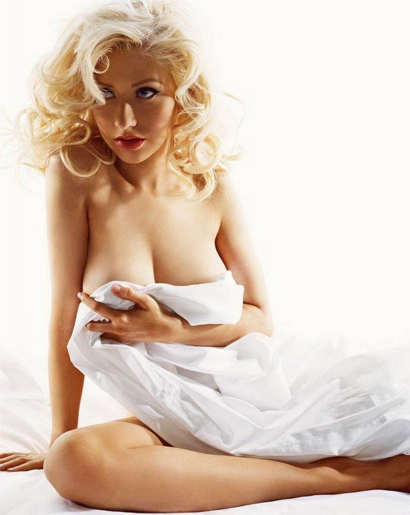 Poll: Christina Aguilera vs. Bella Thorne