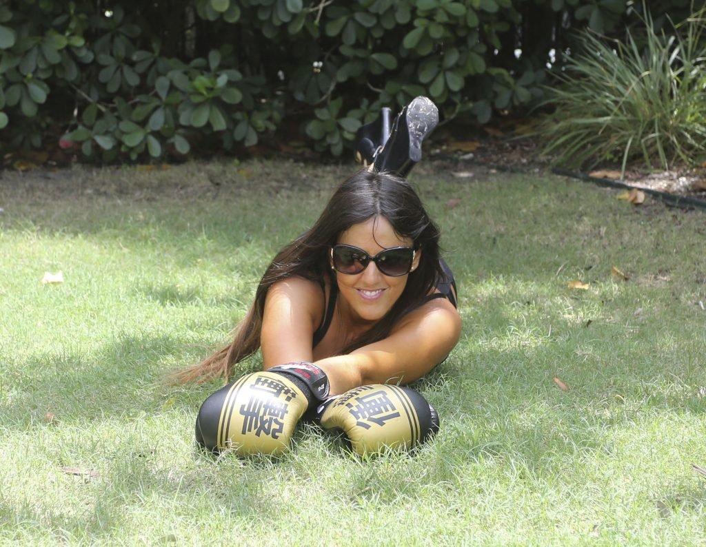 Claudia Romani Sexy (25 Photos)