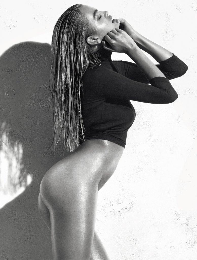 Daphne Groeneveld Nude & Sexy (9 Photos)