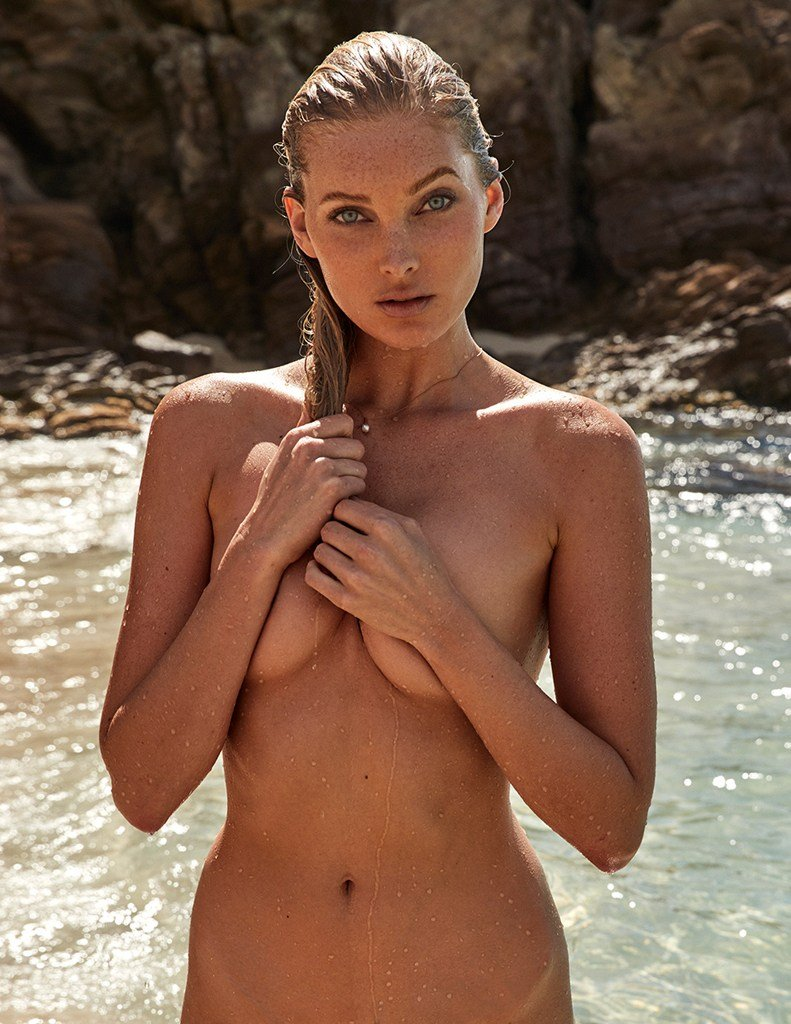 Elsa naked