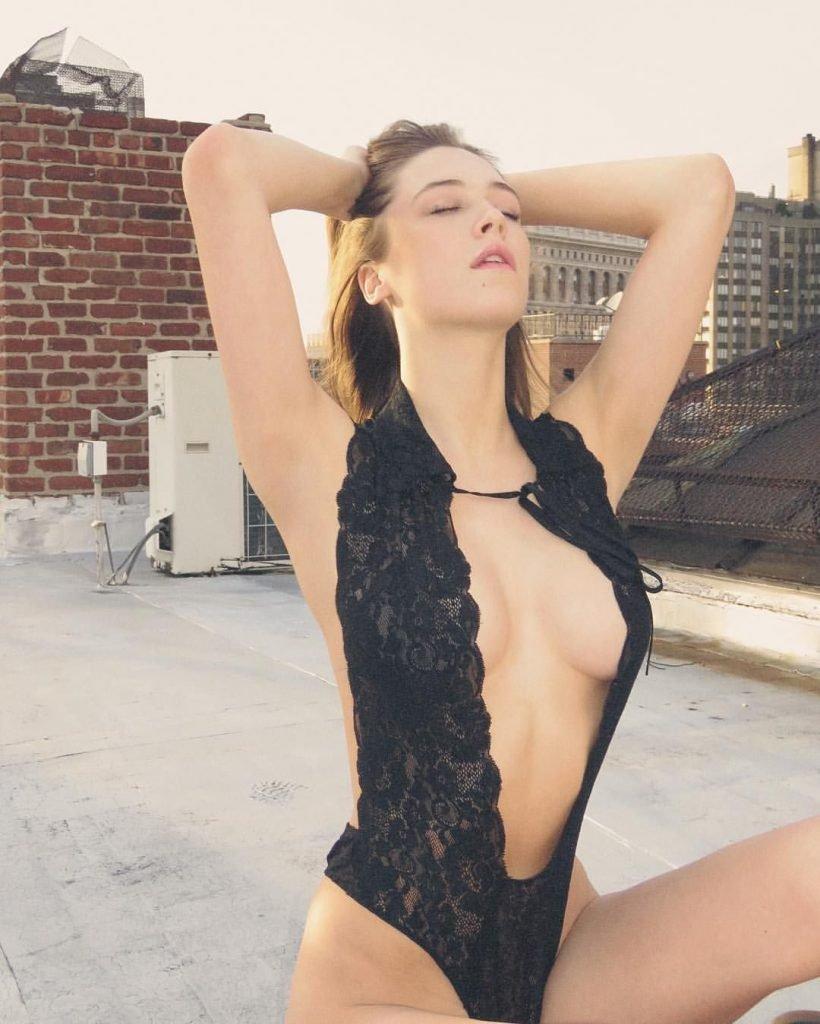 Elsie Hewitt Nude & Sexy (119 Photos + Videos)