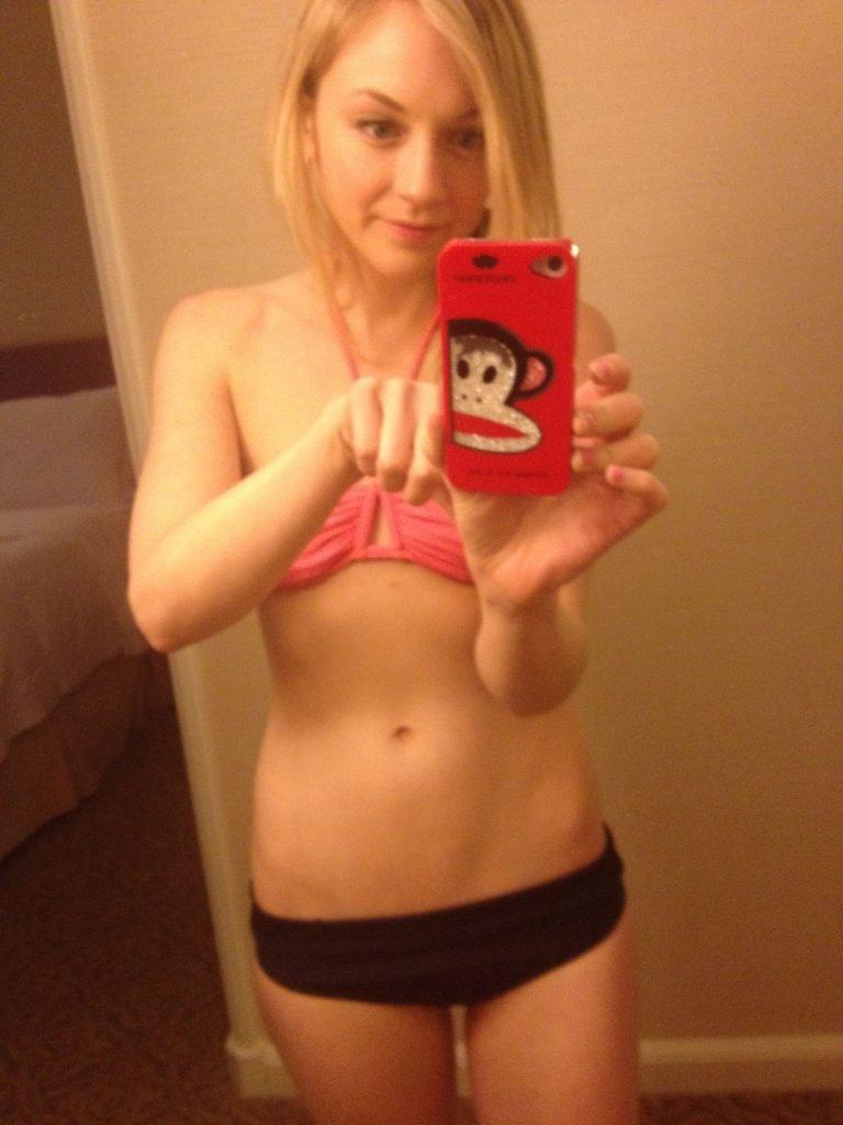 Emily Kinney Nude & Sexy (26 Photos)
