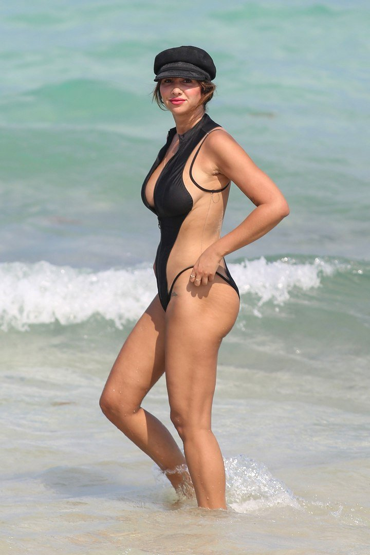 super hot sexy nude cruz