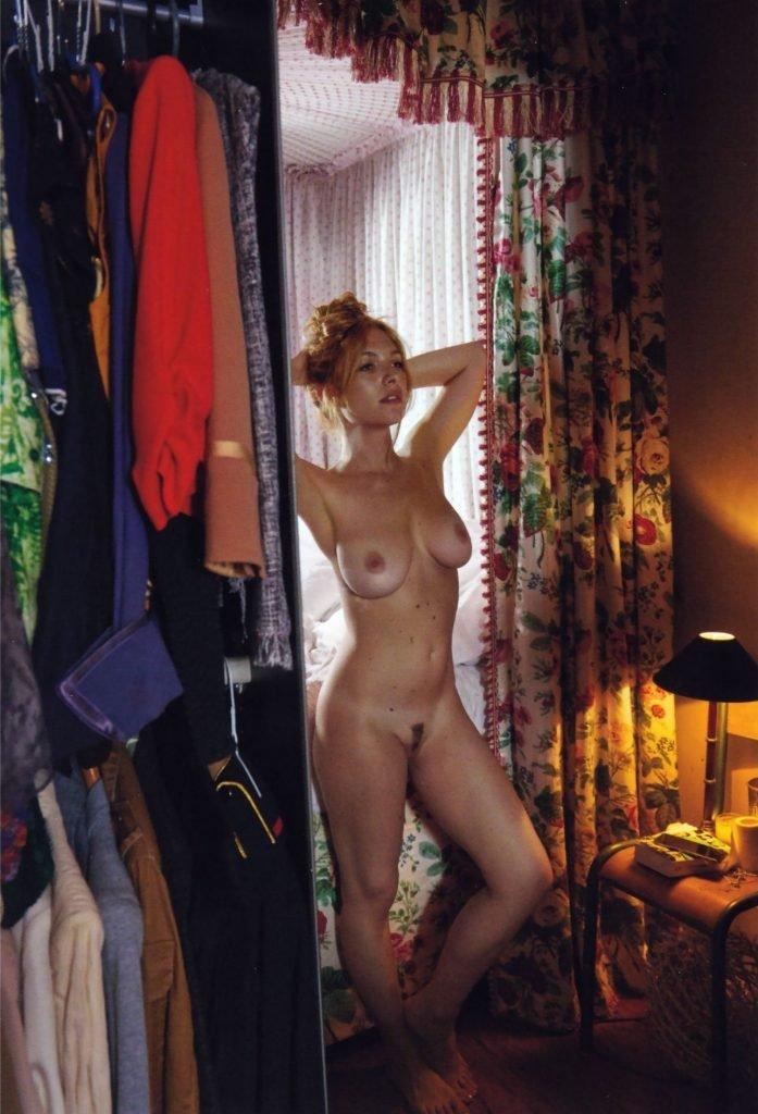Joséphine de La Baume Naked (2 Photos)