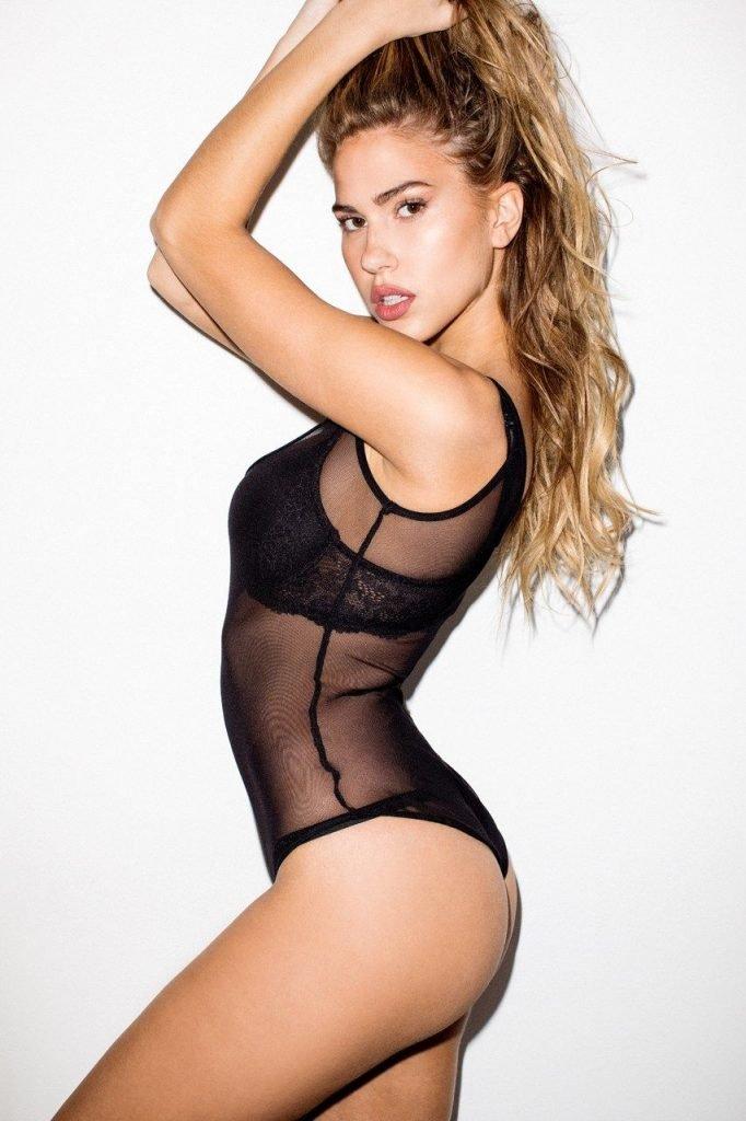 Kara Del Toro Sexy & Topless (22 Photos)