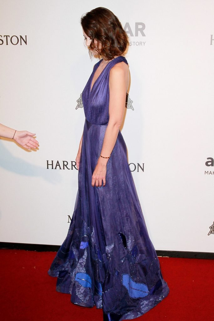 Katie Holmes See Through (26 Photos)