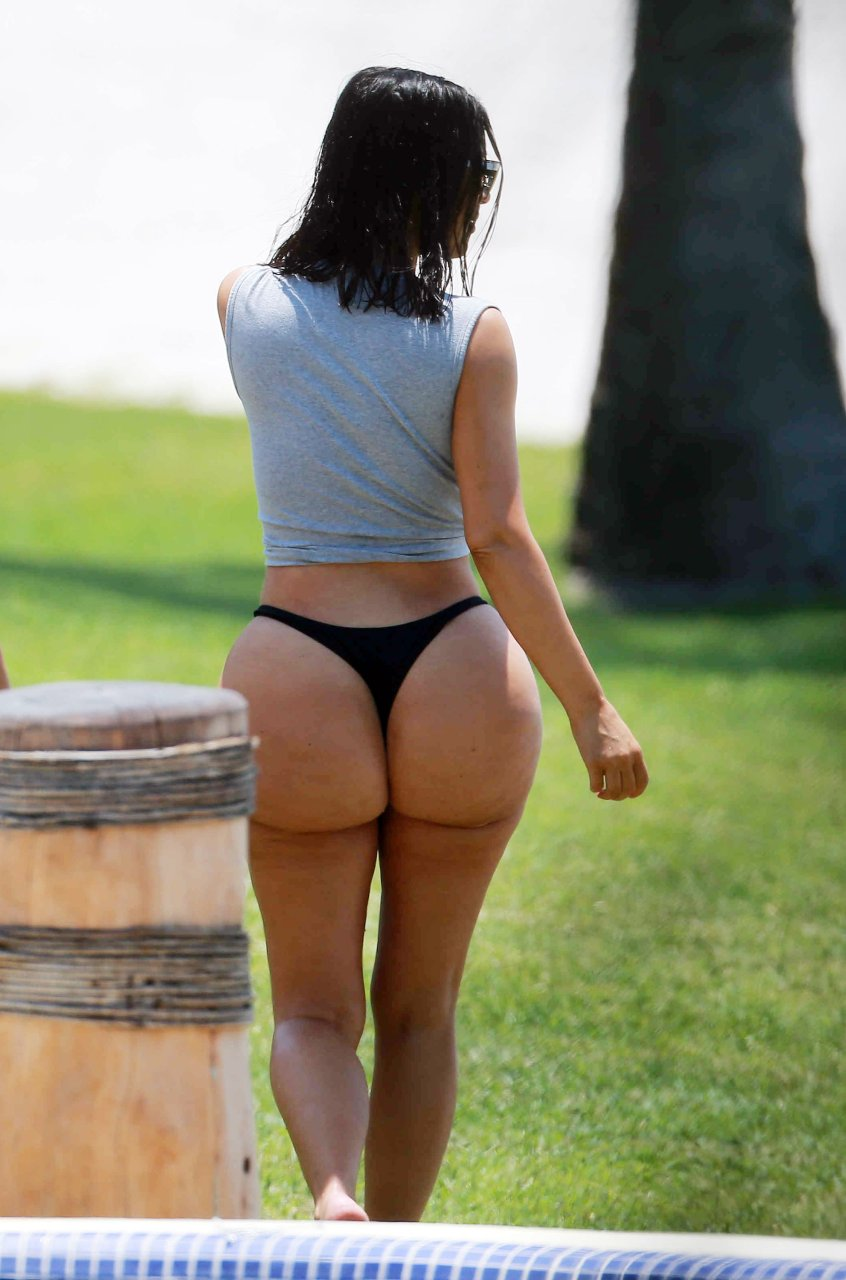 kim kardashian big fat ass naked