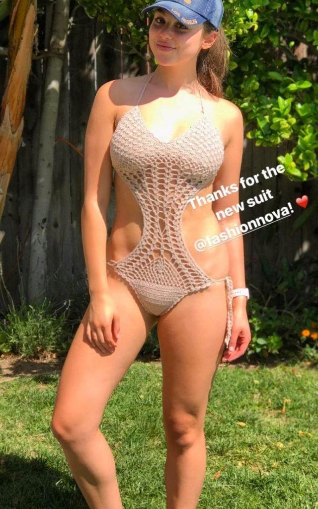 Kira Kosarin Sexy (14 Photos)
