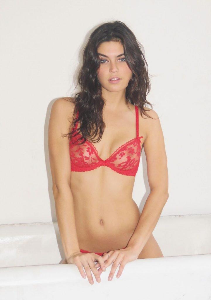 Lauren Layne Nude & Sexy (27 Photos)