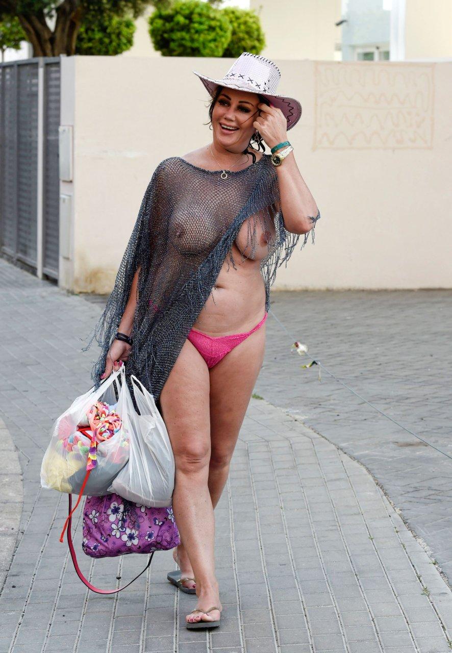 comic fantasy naked lara