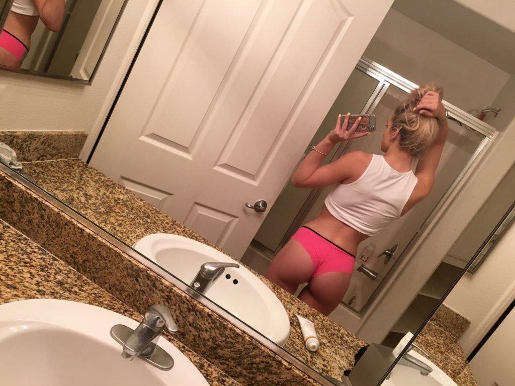 Louisa Johnson Leaked (20 Photos + Blowjob Video)