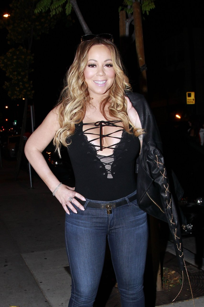 Mariah Carey Cleavage (8 Photos) | #TheFappening Mariah Carey