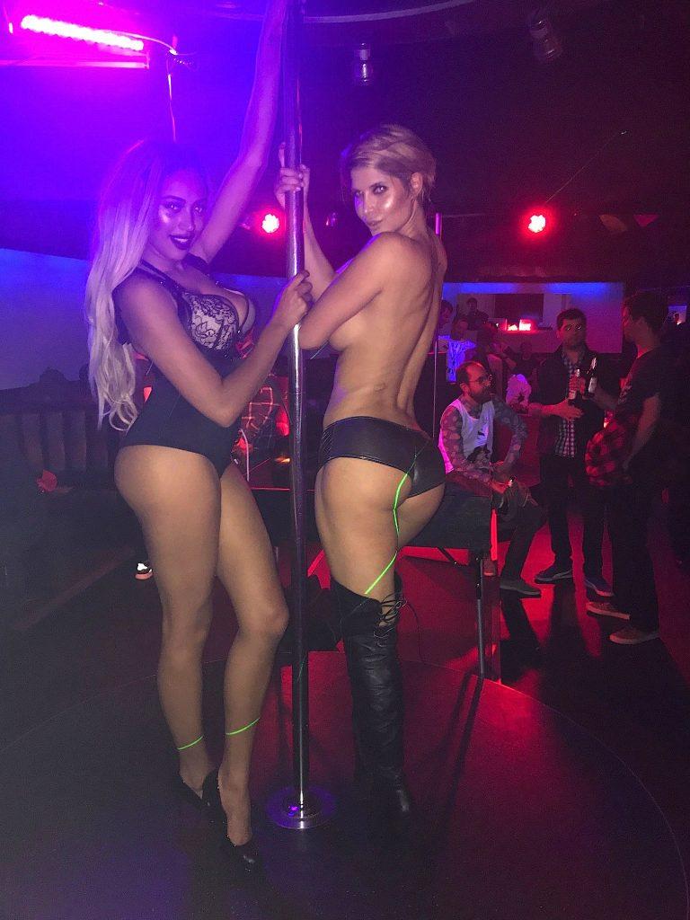 Micaela Schäfer Topless (5 Photos + Video)