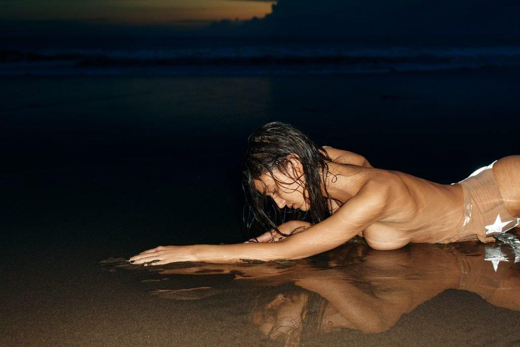 Paula Bulczynska Sexy & Topless (25 Photos)