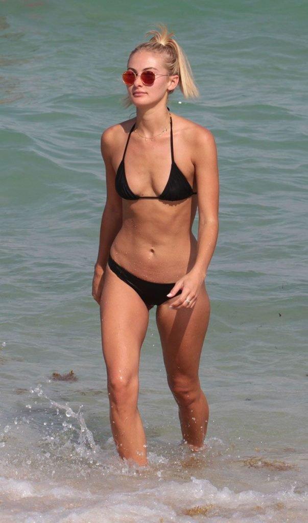 Selena Weber Sexy (11 Photos)