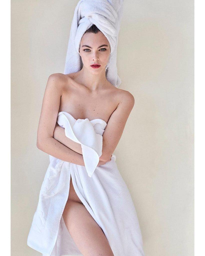 Vittoria Ceretti Sexy (1 Photo)