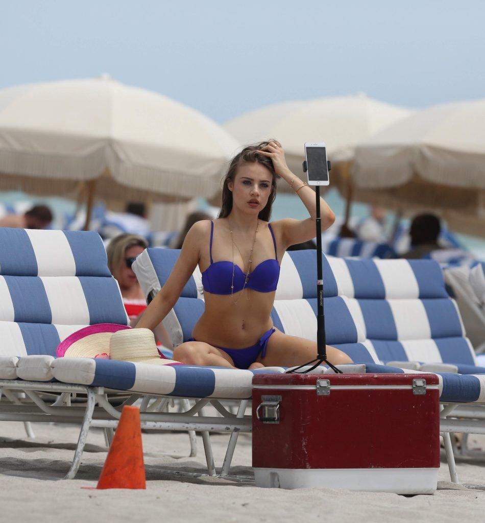 Xenia Tchoumitcheva Sexy (29 Photos)