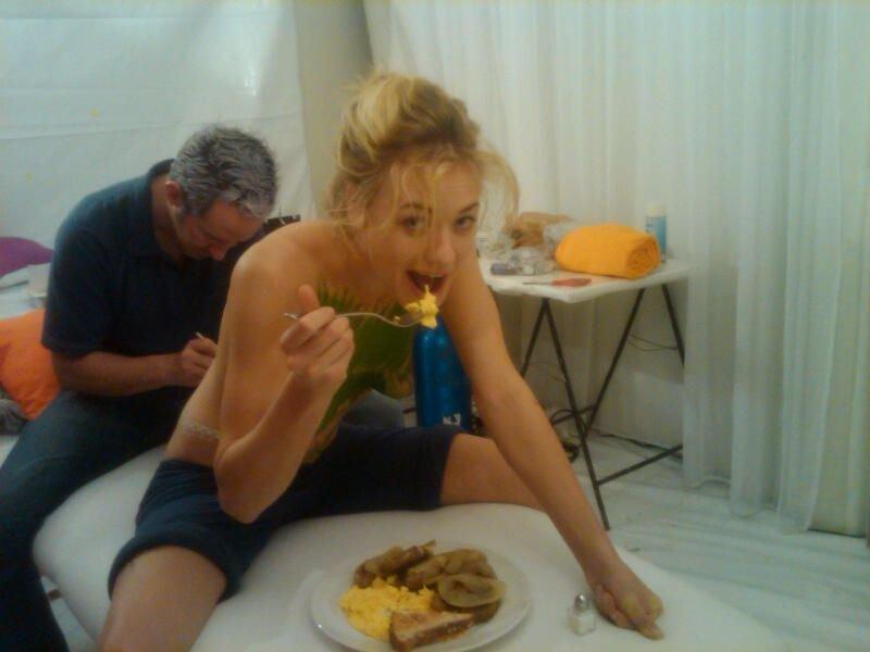 Naked latina babes gifs