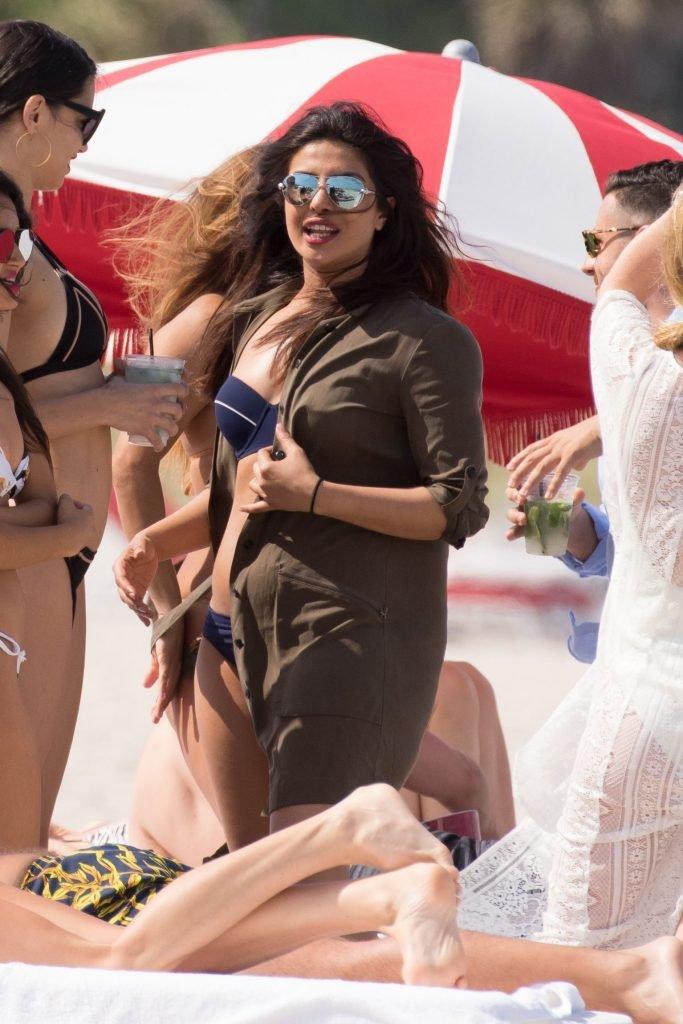 Adriana Lima & Priyanka Chopra (164 Photos)