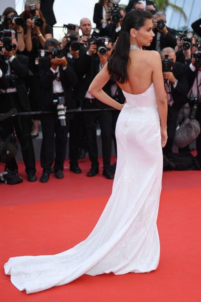 Adriana Lima Sexy (100 Photos + Video)