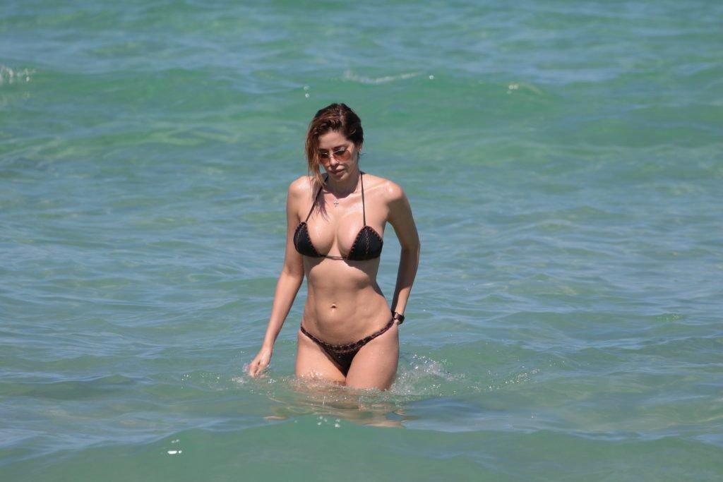 Aida Yespica Sexy (33 Photos)
