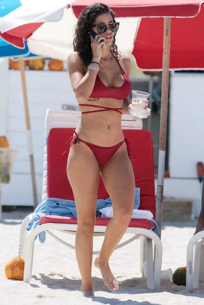 Alexandra Rodriguez Sexy (30 Photos)
