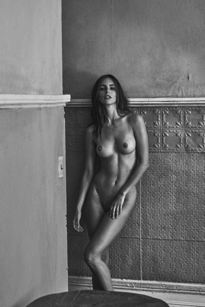 Amanda Pizziconi Naked (9 Photos)